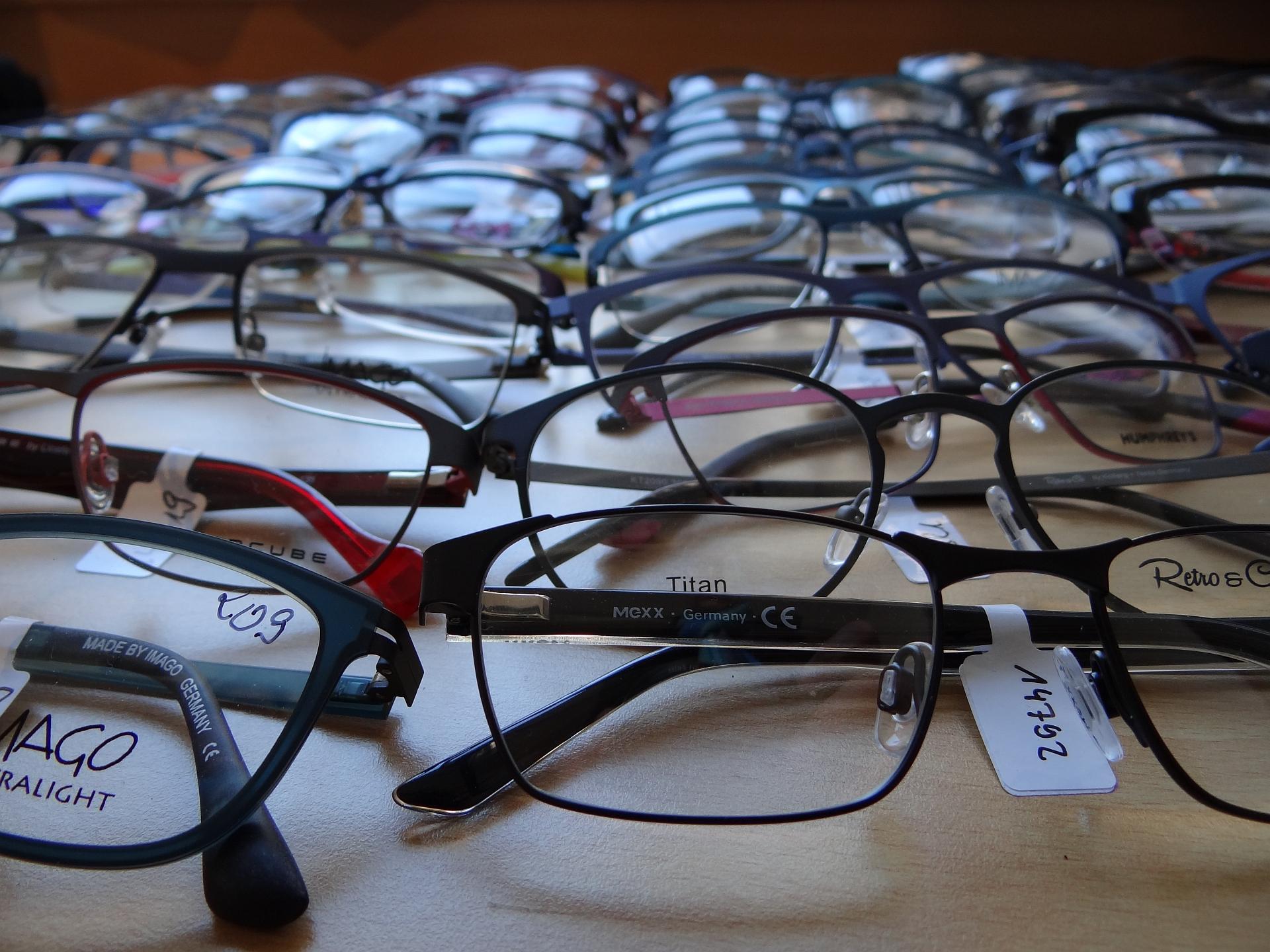 Brillenfassungen